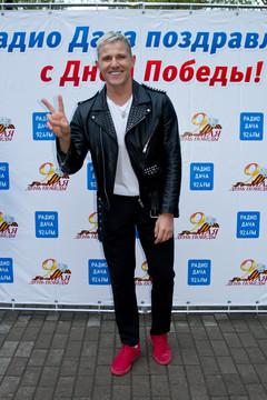 Алекс Малиновский. 9 мая в компании Радио Дача