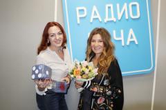 Жанна Бадоева и ведущая Радио Дача Наталья Селихова