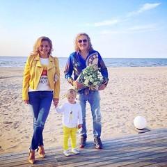 Юлия Проскурякова и Игорь Николаев с дочерью