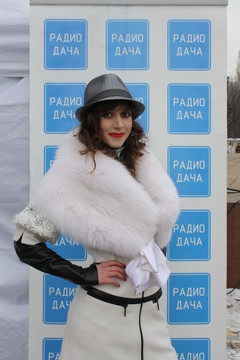 Аника Долински