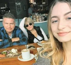 Леонид Агутин и Анжелика Варум с дочкой Лизой