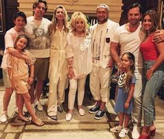 Нателла Крапивина с дочкой, Максим Галкин, LOBODA, Алла Пугачева, Александр и Анжелика Ревва с дочкой