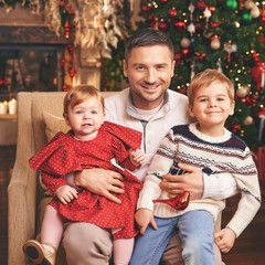 Сергей Лазарев с сыном Никитой и дочкой Аней