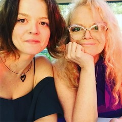 Лариса Долина с дочкой