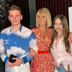 Валерия с сыном Арсением и невесткой Лианой