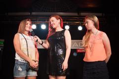 Ведущая Радио Дача Наталья Селихова со слушателями